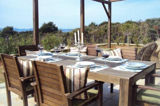 Haus ugljan modernes haus mit terrasse in kroatien kaufen for Modernes haus terrasse