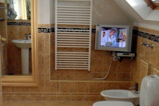 badezimmer-mit-tv-split