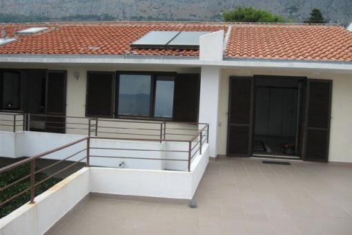 eingang-von-terrasse-omis