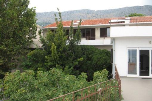 Villa mit sechs Apartments und Meerblick