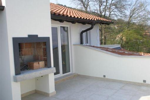 Terrasse mit Grillgelegenheit