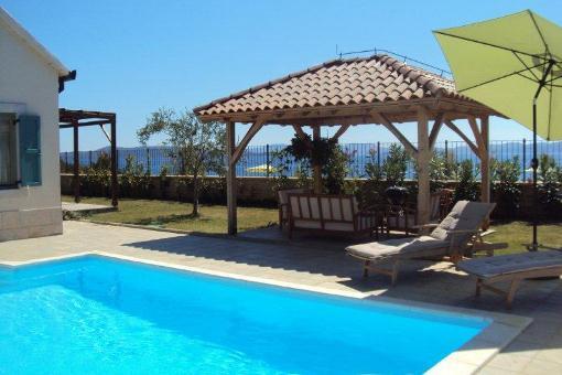 haus ugljan traumhaus mit pool in kroatien kaufen. Black Bedroom Furniture Sets. Home Design Ideas