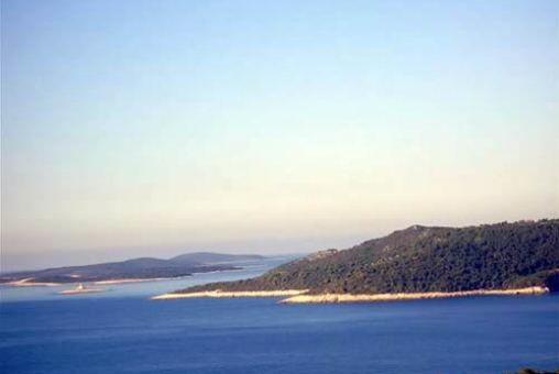 Großes Grundstück am Meer
