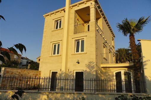 Vierstöckige Villa auf der Insel Brac